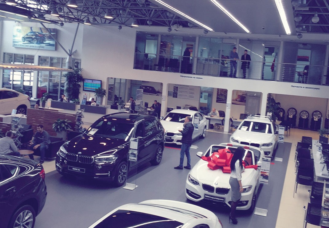 BMW-showroom2